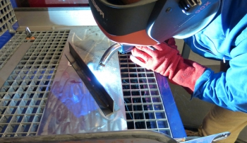 ARC: Welding Fumes, UV Radiation from Welding Are Carcinogenic